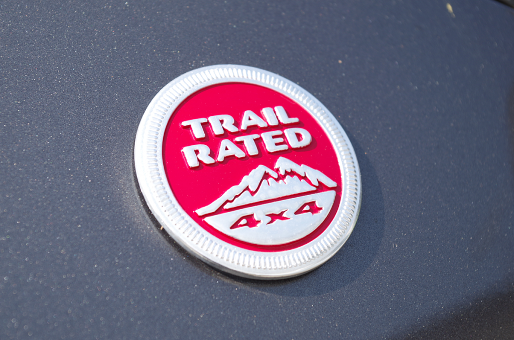 TRAIL RATED 4x4 エンブレム
