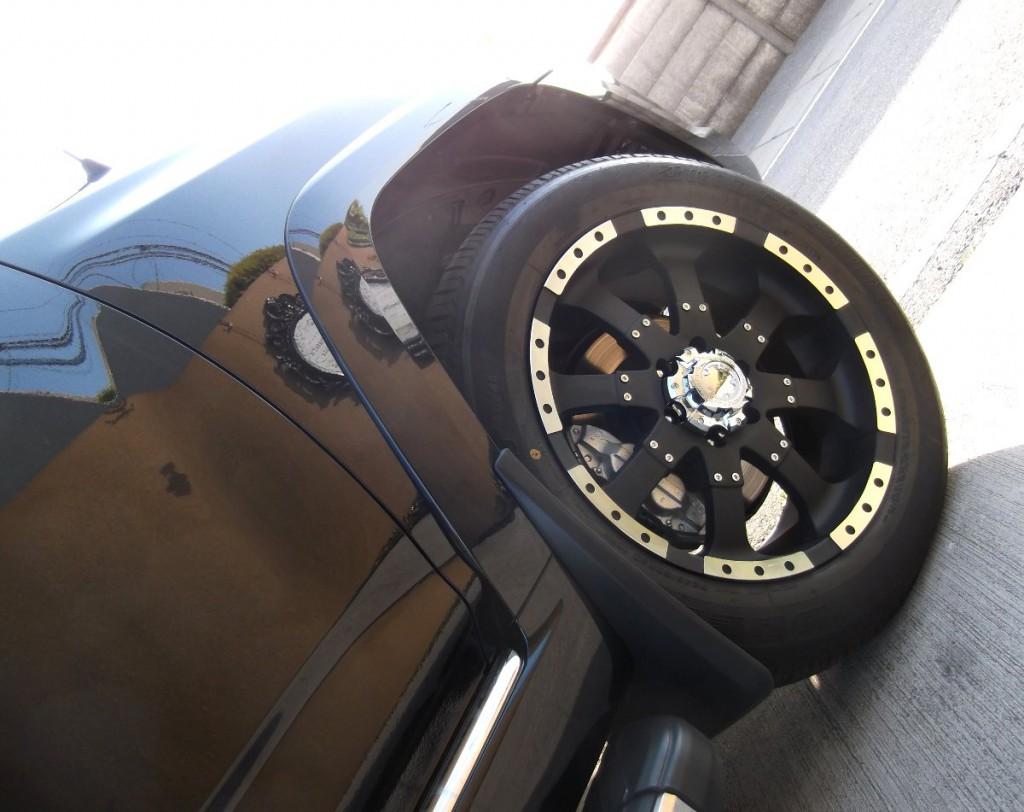 USトヨタ 4ランナー×ウルトラ223Bゴライアス 20インチ