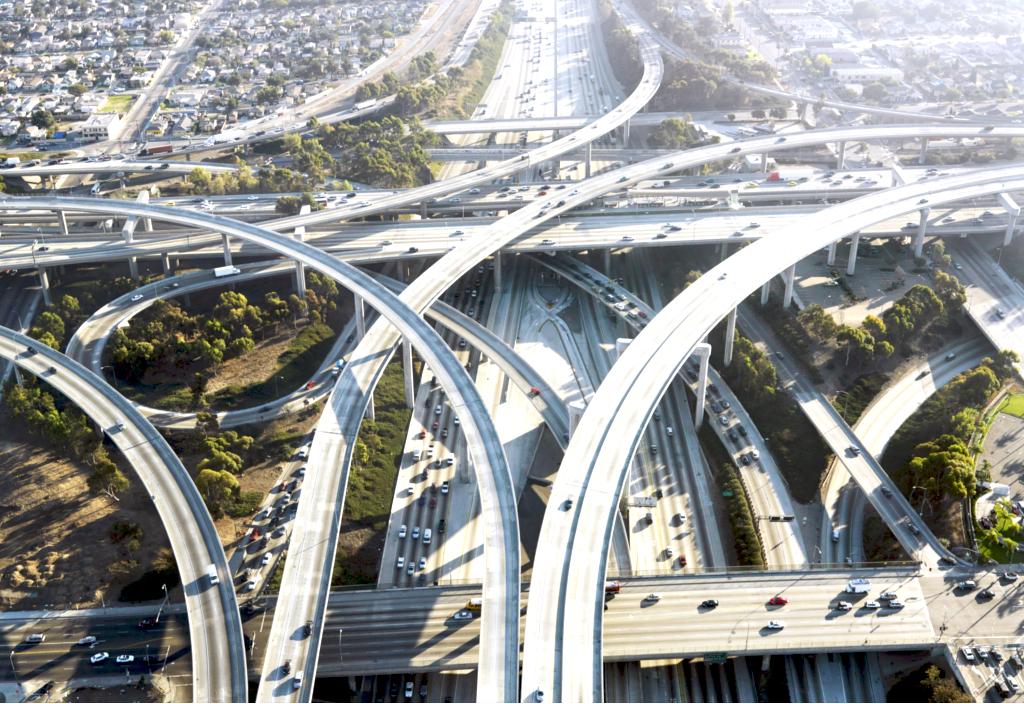 アメ車の似合うアメリカの風景「フリーウェイ」