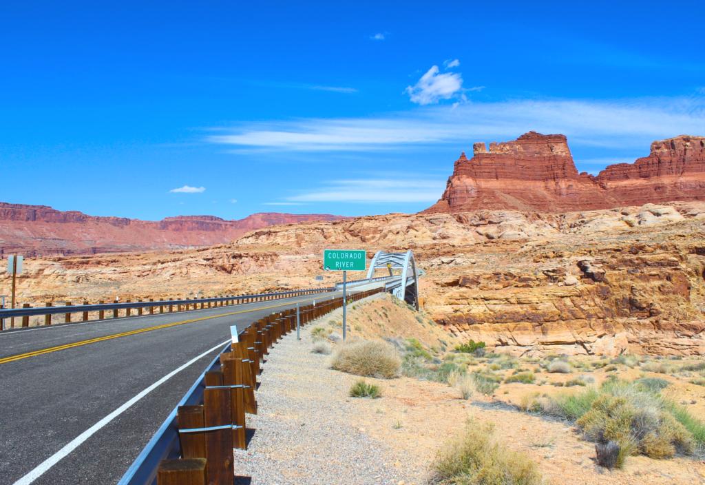 アメ車の似合うアメリカの風景「コロラド」